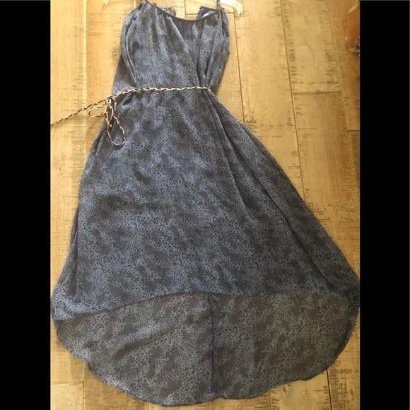 Annabelle Dresses & Skirts - Annabelle high low chiffon print  dress Size : M
